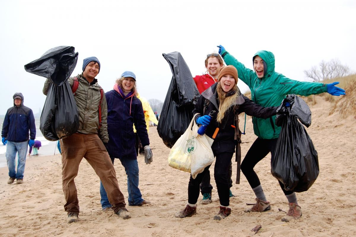 SCA Chicago volunteers get excited about beach clean-up at Indiana Dunes