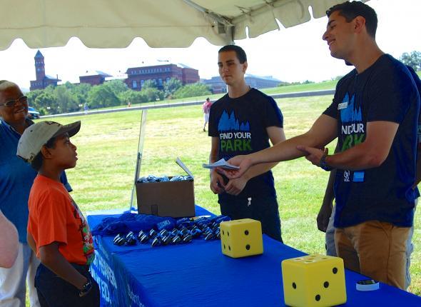 SCA Centennial Volunteer Ambassador Jacob Breslin Quizzes Visitors on National Parks Trivia