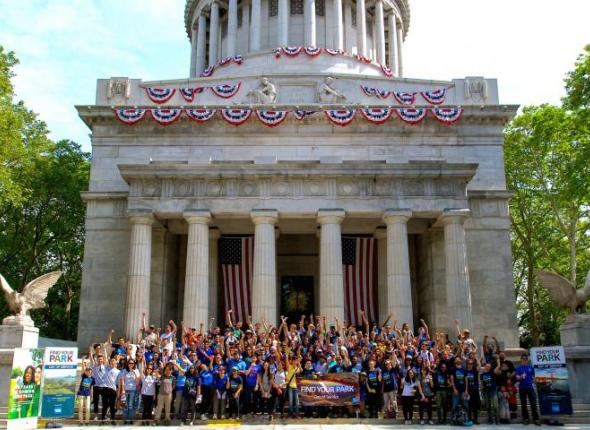 200 Volunteers Gather on the steps of General Grant National Memorial